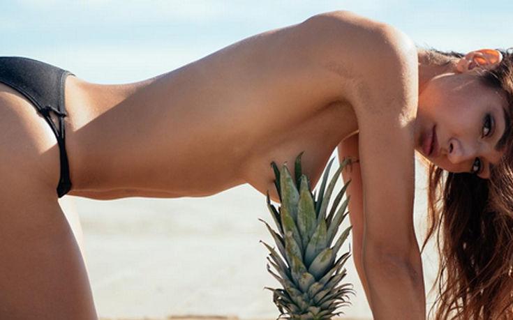 Η σέξι φωτογράφος που κάνει «κλικ» σε όλους τους άνδρες