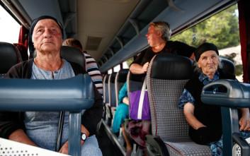 Έρευνα λέει πως δεν πρέπει να παραχωρούμε τη θέση μας στους ηλικιωμένους