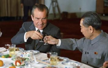 Πώς έκανε ο Νίξον έναν ολόκληρο λαό να τρώει… πάπια Πεκίνου