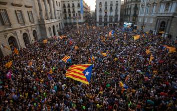 Ντέρμπι στις καταλανικές εκλογές δείχνει τελευταία δημοσκόπηση