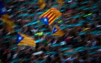 «Βουτιά» στις λιανικές πωλήσεις της Ισπανίας λόγω Καταλονίας