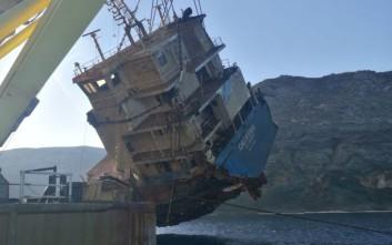 Εικόνες από την ανέλκυση τμήματος του ναυαγισμένου «Cabrera» βόρεια της Άνδρου