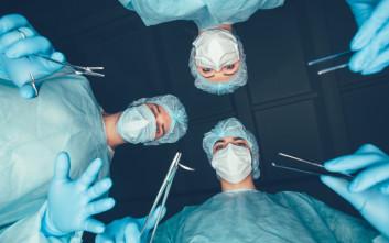 Πήγε στο νοσοκομείο με πόνους στην κοιλιά και οι γιατροί έμειναν άναυδοι από αυτό που είδαν μέσα της