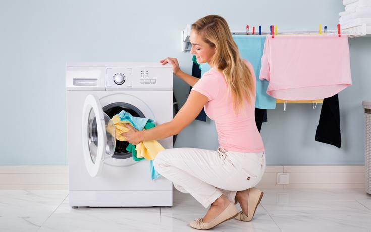 Πώς να επαναφέρετε το πουλόβερ που «μπήκε» στο πλύσιμο