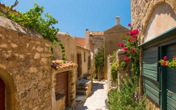 Τρεις ανοιξιάτικοι προορισμοί μια ανάσα από την Αθήνα