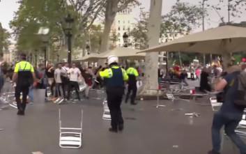 Καρεκλοπόλεμος στη Βαρκελώνη την ημέρα της εθνικής γιορτής της Ισπανίας