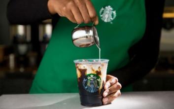 Τα Starbucks κλείνουν 8.000 καταστήματα στις ΗΠΑ για ένα απόγευμα