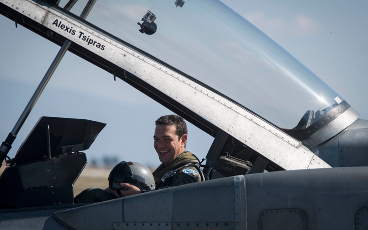 Τσίπρας: Συγκλονιστική εμπειρία η πτήση με το F-16