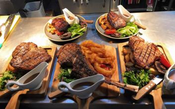 Εστιατόριο προσφέρει δωρεάν κρέας υπό έναν όρο