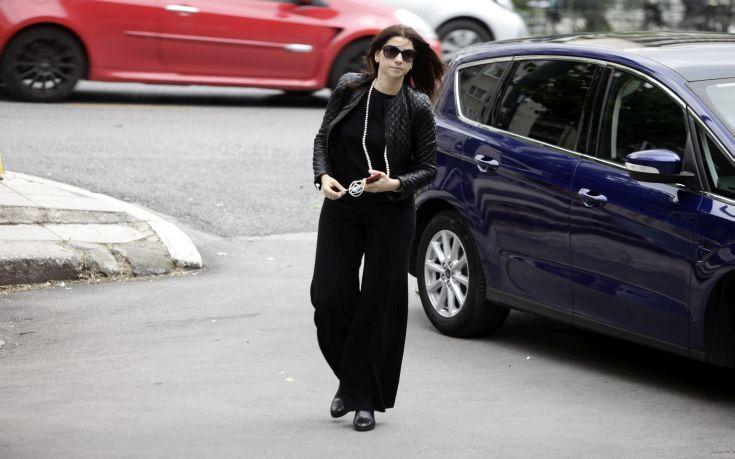Οργισμένη η Αλεξία Μπακογιάννη για τη μεταφορά του Δημήτρη Κουφοντίνα