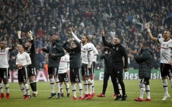 Besiktas' players celebrate after the Champions League Group G soccer match between Besiktas Istanbul and FC Porto in Istanbul, Turkey, Tuesday, Nov. 21, 2017. (AP Photo/Lefteris Pitarakis)