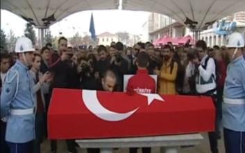 Φήμες για ΕΔΕ σε βάρος του Λεωνίδη επειδή πήγε στην κηδεία του Σουλεϊμάνογλου