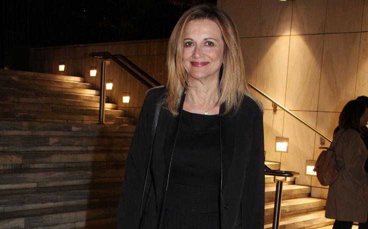 Κομψή στα Θεατρικά Βραβεία Κοινού η Άντα Παπανδρέου