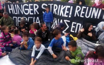 Πρόσφυγες απεργοί πείνας κατασκήνωσαν στο Σύνταγμα