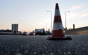 Μποτιλιάρισμα στην Αττική Οδό λόγω ακινητοποιημένου φορτηγού