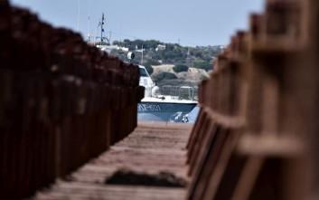 Αλλοδαπός κρύφτηκε σε κινητήρα αυτοκινήτου στο λιμάνι της Πάτρας