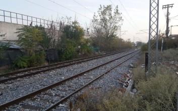 Σε κατάληψη των σιδηροδρομικών γραμμών προχωρούν στη Λάρισα