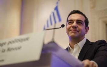 Για τις πολιτικές εξελίξεις στην Ευρώπη και την πορεία της Ελλάδας συζήτησαν Ολάντ και Τσίπρας