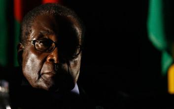 Ο Μουγκάμπε απορρίπτει την εξορία και θέλει να πεθάνει στην πατρίδα του