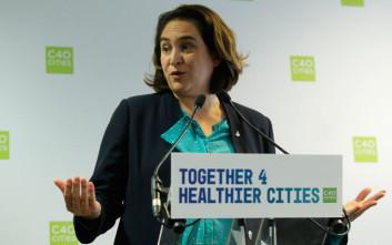 Σε άγνωστο «Χ» μετατρέπεται για την Μαδρίτη η δήμαρχος Βαρκελώνης