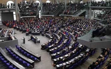 Φόβοι για μεγάλη πολιτική αναστάτωση στη Γερμανία εάν αποχωρήσει πρόωρα η Μέρκελ