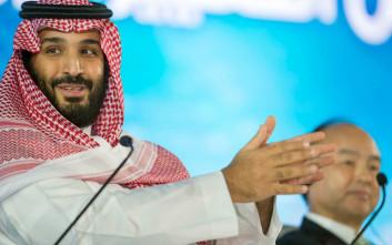 Η... πρωτιά στη συναυλία του Αιγύπτιου «πρίγκιπα της ποπ» στη Σαουδική Αραβία