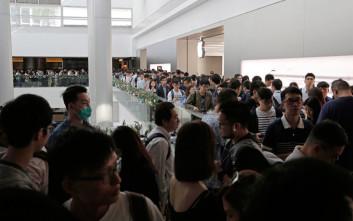 Παροξυσμός στα Apple Stores για ένα νέο iPhone X