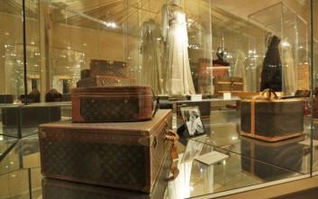 Η ιστορία των αποσκευών μέσα από το μονόγραμμα της Louis Vuitton