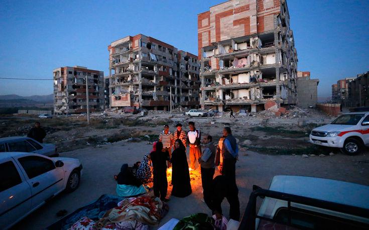 Σκαρφάλωσαν στους 328 οι νεκροί από το σεισμό στα σύνορα Ιράν-Ιράκ