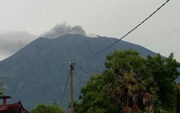 Σε συναγερμό και πάλι το Μπαλί λόγω του ηφαιστείου Agung