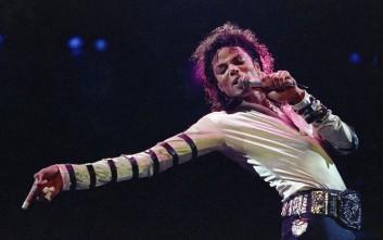 Εκατομμύρια βγάζει μετά θάνατον ο Μάικλ Τζάκσον