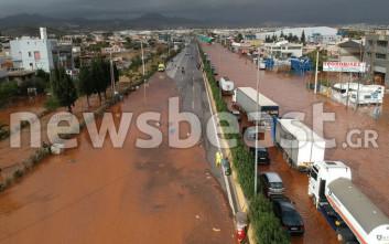 Εικόνες από drone δείχνουν την καταστροφή στη Μάνδρα