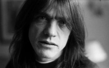 «Έφυγε» ο συνιδρυτής των θρυλικών AC/DC, Malcolm Young