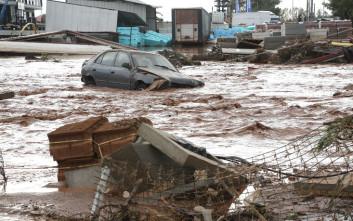 «Αυτοκίνητα πέφτουν πάνω μου, κατεβάζει πολύ νερό...»