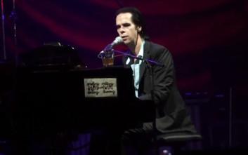 Ο Nick Cave σαγήνευσε την Αθήνα