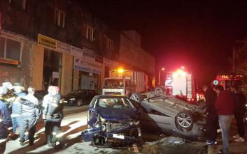 Σφοδρή σύγκρουση οχημάτων στο Ηράκλειο με πέντε τραυματίες