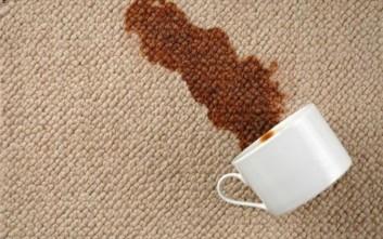 Πώς φεύγει ο λεκές από καφέ στο χαλί