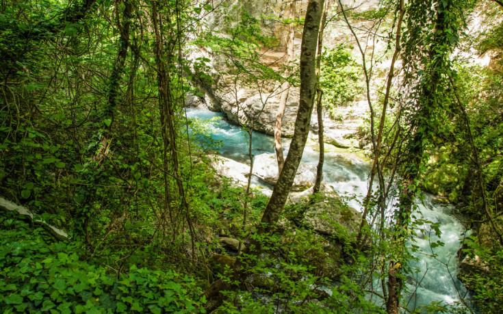 Υπέροχα τοπία στον Λούσιο ποταμό