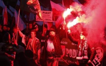 Ένα «ισλαμικό ολοκαύτωμα» ζήτησαν δεκάδες χιλιάδες Πολωνοί