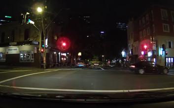Ταξιτζής έρχεται σε άβολη θέση όταν παίρνει κατά λάθος κούρσα μια ιερόδουλη