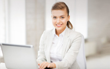 Μόλις το ένα τρίτο των διευθυντικών θέσεων στην ΕE καταλαμβάνονται από γυναίκες