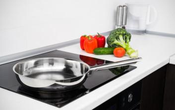 Πώς να καθαρίσετε τους λεκέδες από τα μάτια της κουζίνας