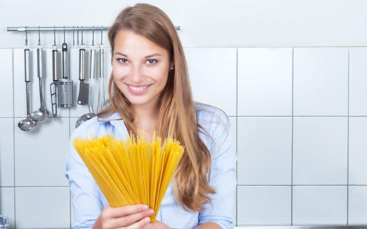 Μυστικά για την κουζίνα που θα σας λύσουν τα χέρια
