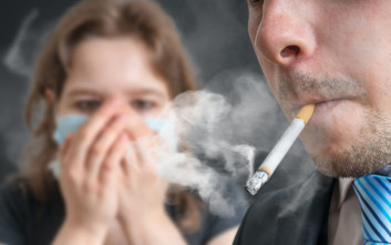 Εταιρία επιβραβεύει τους μη καπνιστές υπαλλήλους της με επιπλέον άδεια έξι ημερών