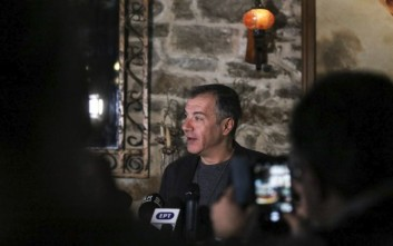 Θεοδωράκης: Μεγάλο εγχείρημα η εκλογή αρχηγού της Κεντροαριστεράς