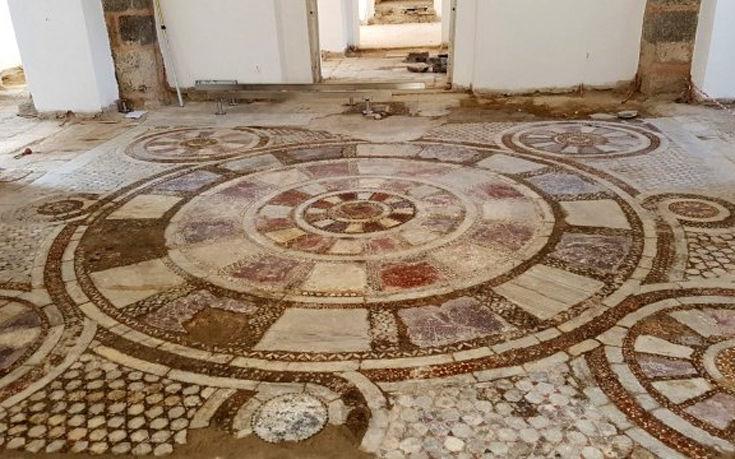 Βρήκαν εντυπωσιακό μωσαϊκό κάτω από εκκλησία στην Τραπεζούντα