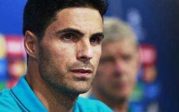 Arsenal's Mikel Arteta attends a news conference in Zagreb, Croatia, on Tuesday, Sept. 15, 2015. Arsenal will play Dinamo Zagreb in a Champions League soccer match on Wednesday, Sept. 16.  (AP Photo/Darko Bandic)
