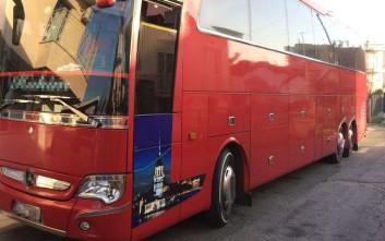 Έκρυψαν 6 παράτυπους μετανάστες στο… κάτω μέρος λεωφορείου