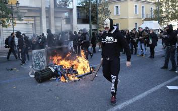 Νέες εικόνες από την ένταση στο κέντρο της Αθήνας