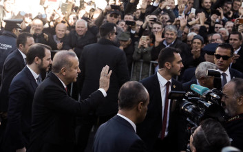 Διαψεύδει η κυβέρνηση «διπλωματικό επεισόδιο» στην Κομοτηνή